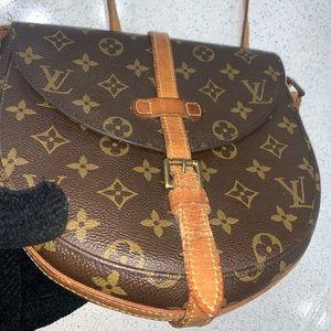 Louis Vuitton chantility crossbody